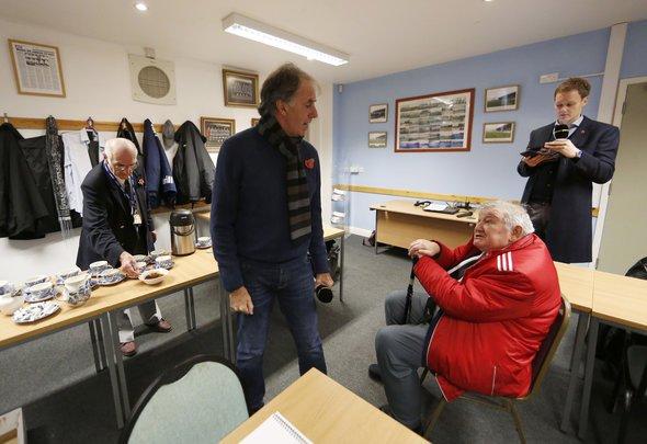 Lawrenson predicts Newcastle v Watford