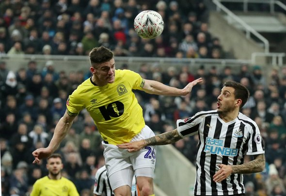 Many Newcastle fans annihilate Joselu