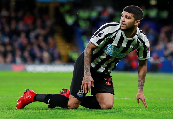 Benitez should play Yedlin as a winger