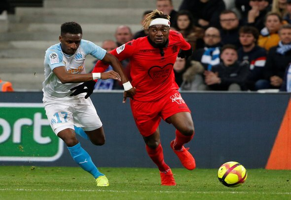 Newcastle look to close Saint-Maximin deal