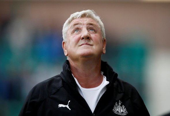 Newcastle sign winger Saint-Maximin, Everton land Mainz midfielder Gbamin