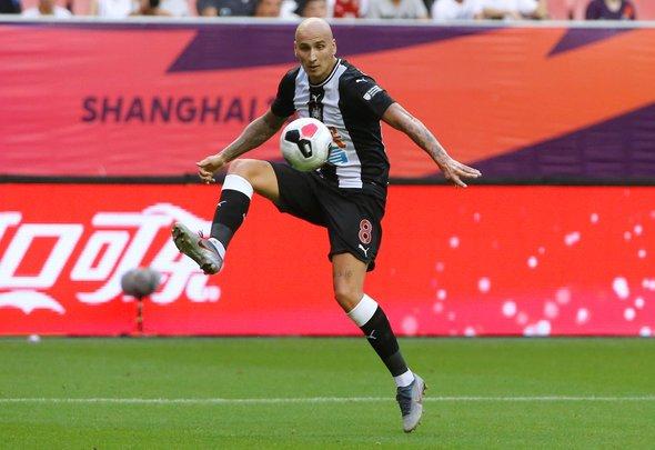 Image for Lascelles names Newcastle trio impressing in pre season