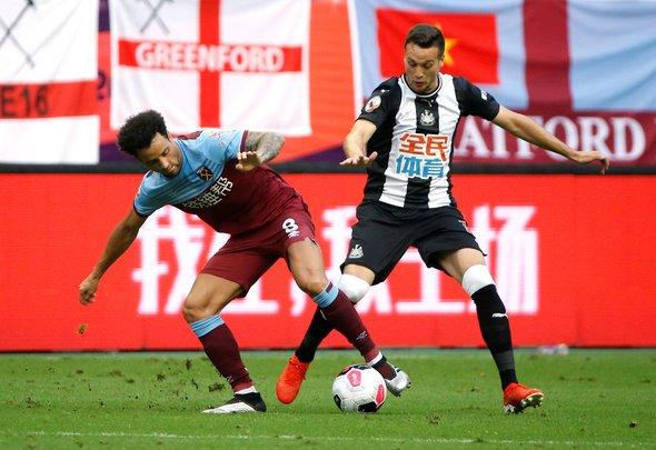 Manquillo set to start v Arsenal