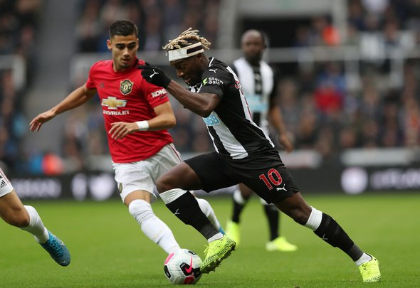 Newcastle fans hail Saint-Maximin
