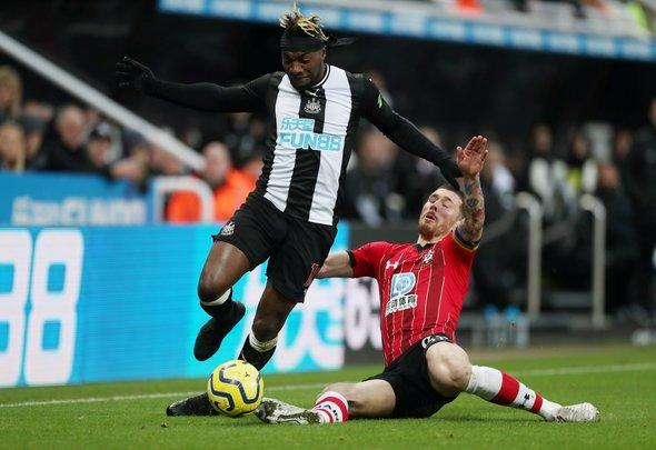 Clark and Saint-Maximin could miss Burnley trip